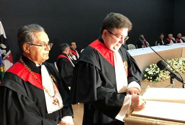 Wolney Cordeiro assume a Presidência do TRT da Paraíba